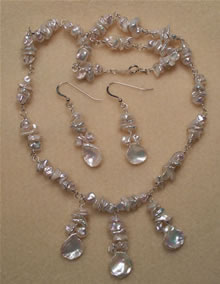 Petal Pearl Necklace Set